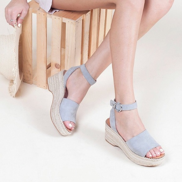 b833a7f0ae0 Dolce vita lesly chambray wedge size 7 nwot